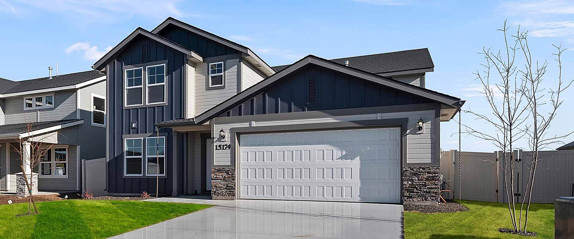 Cedar_Hubble_Homes_New_Homes_Boise_0003_Cedar Eagle Stream 02-DSC_8302 Front of Home.jpg