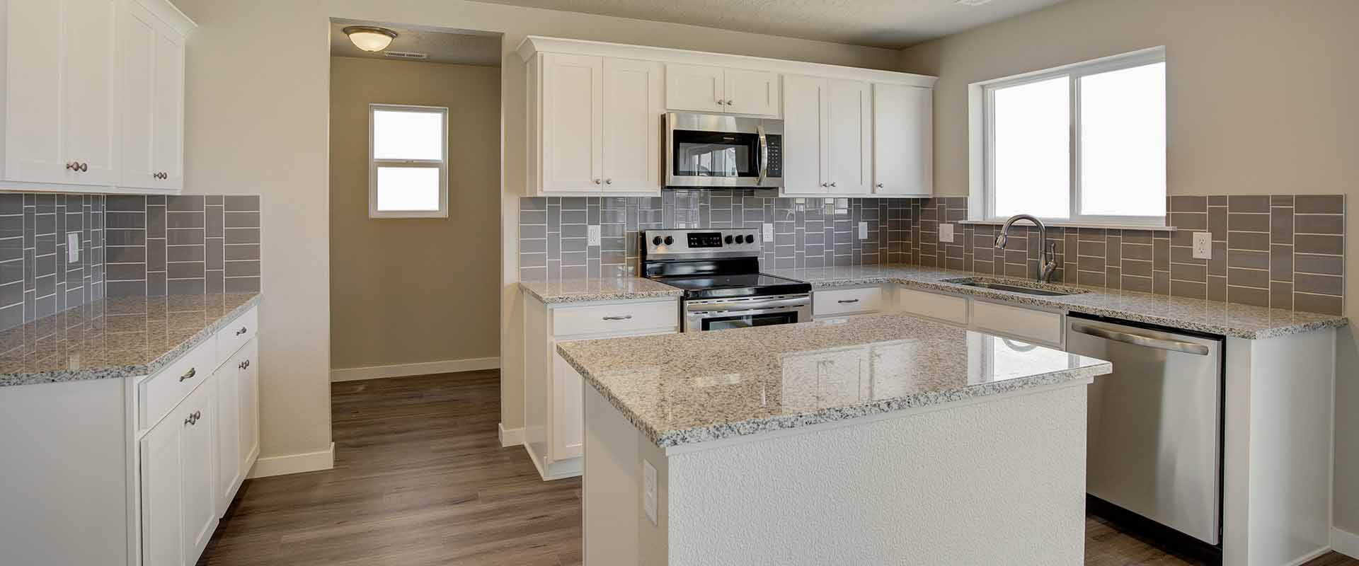 Ponderosa_Hubble_Homes_New_Homes_Boise_0002_Charter Pointe Ponderosa Country - Kitchen - 9260 W Touchstone Dr -4.jpg
