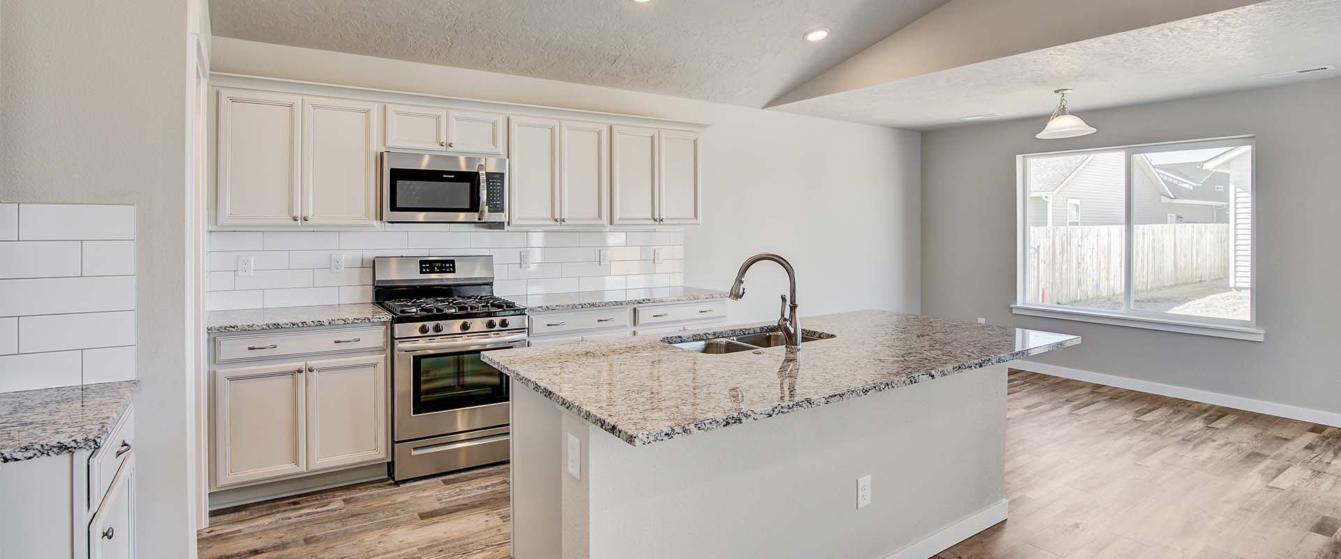 Sapphire-kitchen2-new-homes-boise-idaho-hubble-homes.jpg