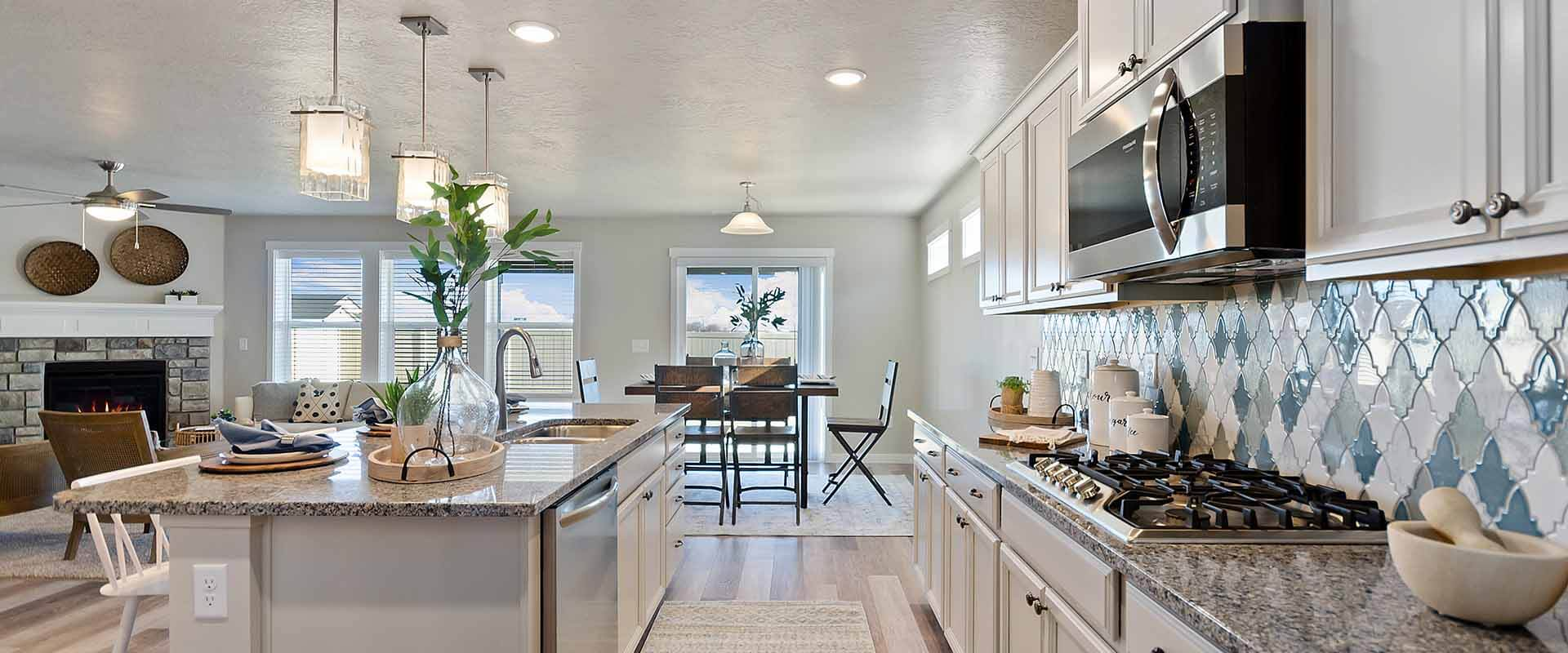 Spruce_Hubble_Homes_New_Homes_Boise_Kitchen.jpg