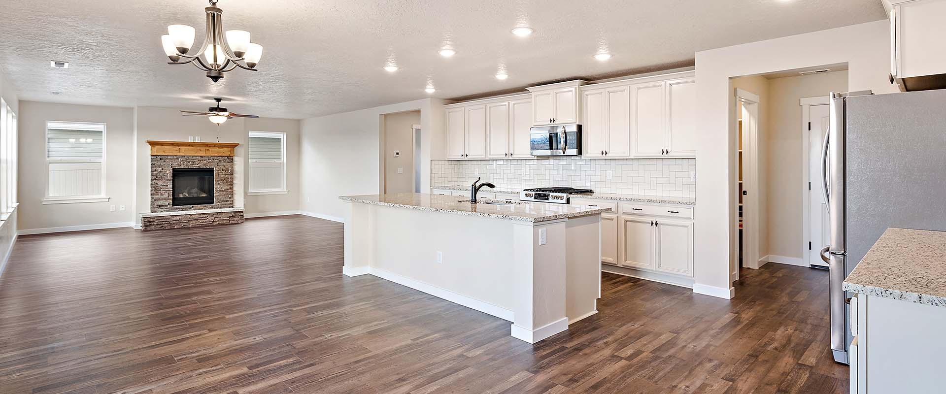 Yosemite_Kitchen 2_Hubble_Homes_New_Homes_Boise.jpg