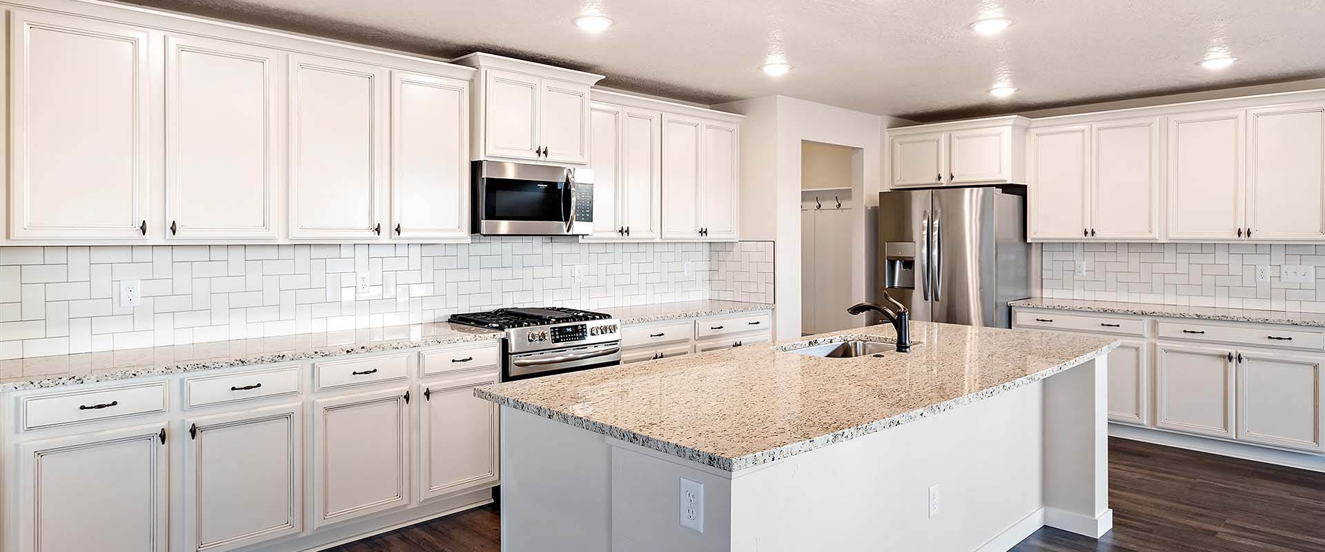Yosemite_Kitchen_Hubble_Homes_New_Homes_Boise.jpg